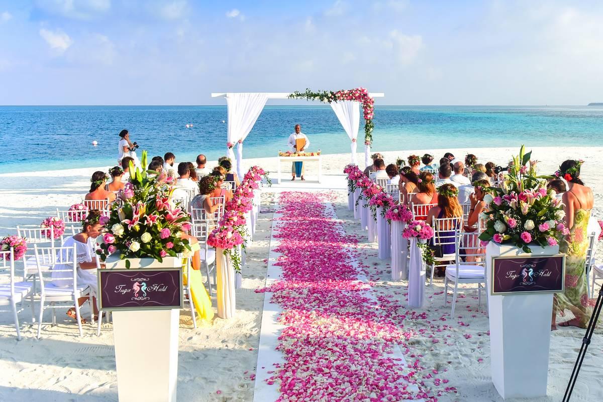 Hochzeitsdekoration: Feierlich und einladend