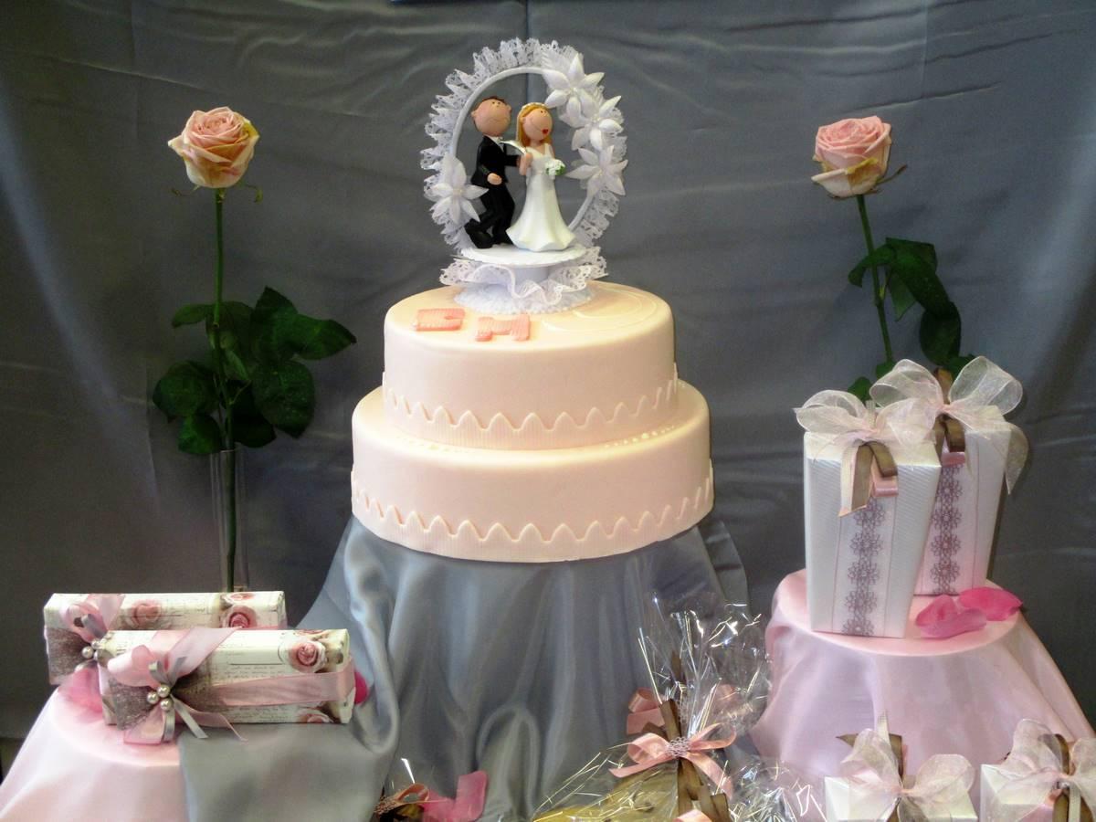 Das sollten Sie bei der Hochzeitstorte beachten