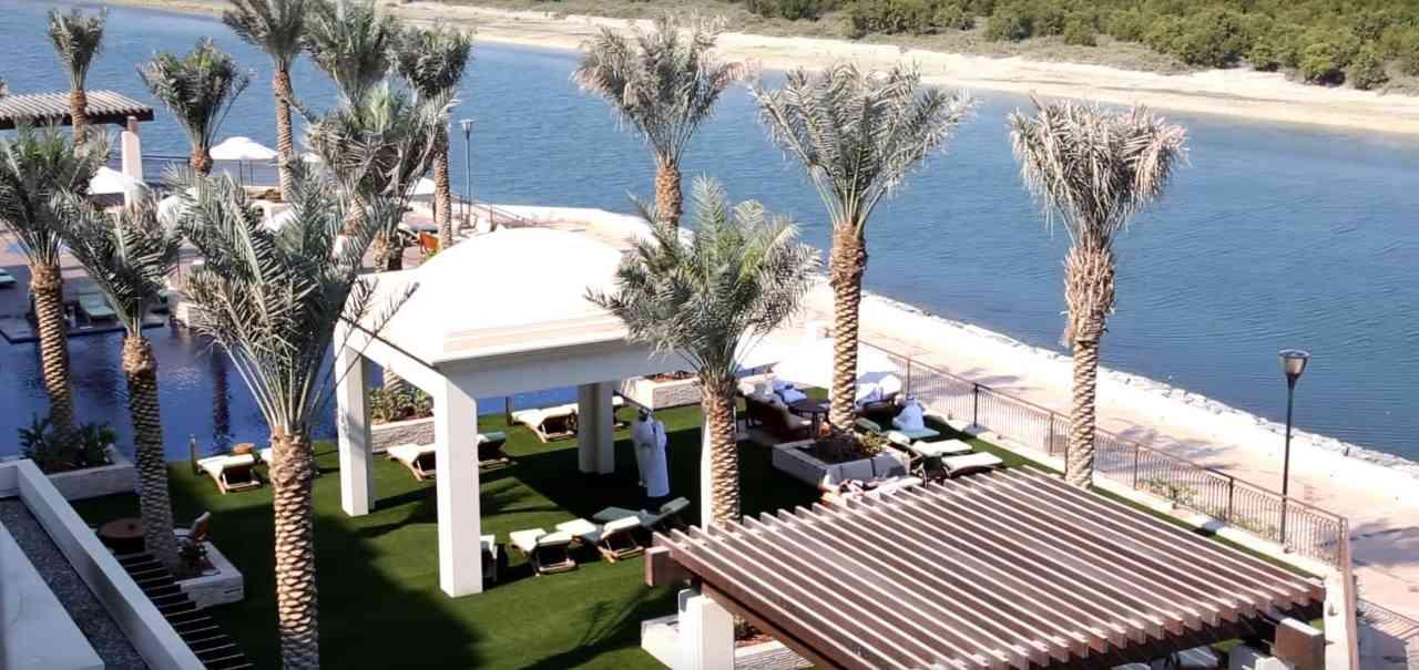 Eastern Mangroves Hotel & Spa Abu Dhabi: Erleben Sie eine Oase
