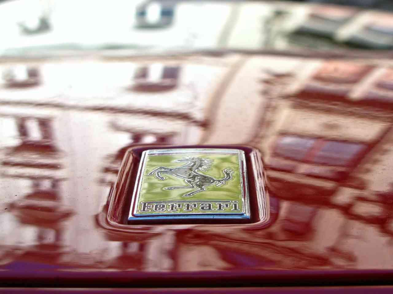 Ferrari 512 BBi Sportwagen für 350.000 Euro